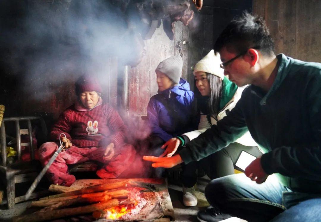 公益 | 围炉夜话,村寨漫行,还有冬天里最温暖的事……-出版人杂志官网