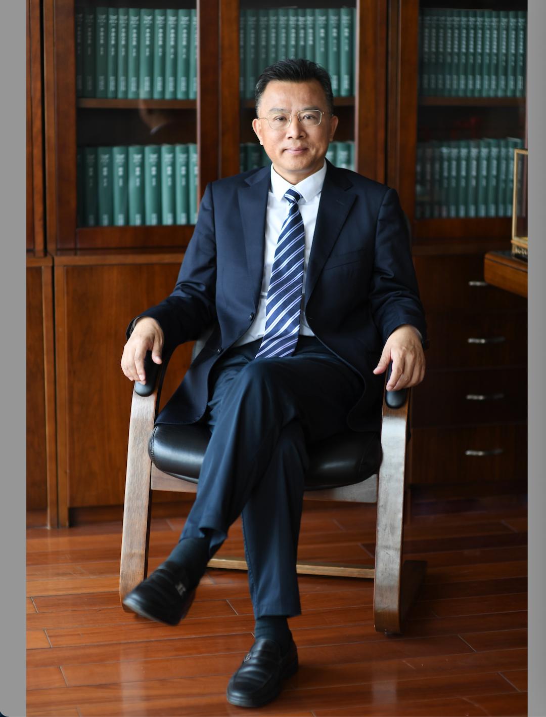 从一支股票代码说起,深度解读浙版传媒上市意义|专访董事长鲍洪俊-出版人杂志官网