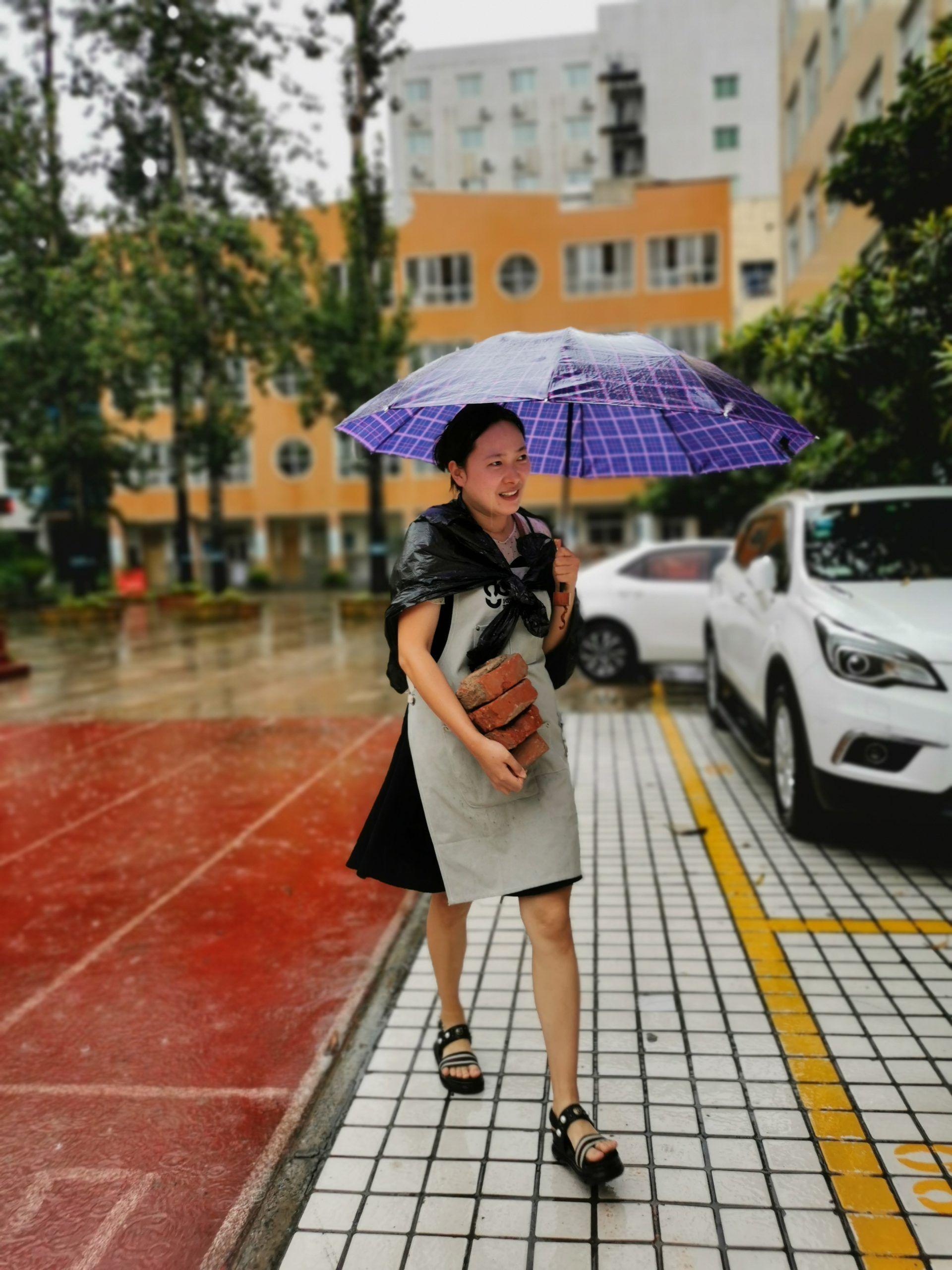 在郑州的暴雨里,一家书店的24小时